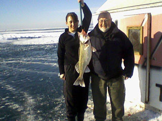 Putinbay Ice Fishermen Winter Travellers